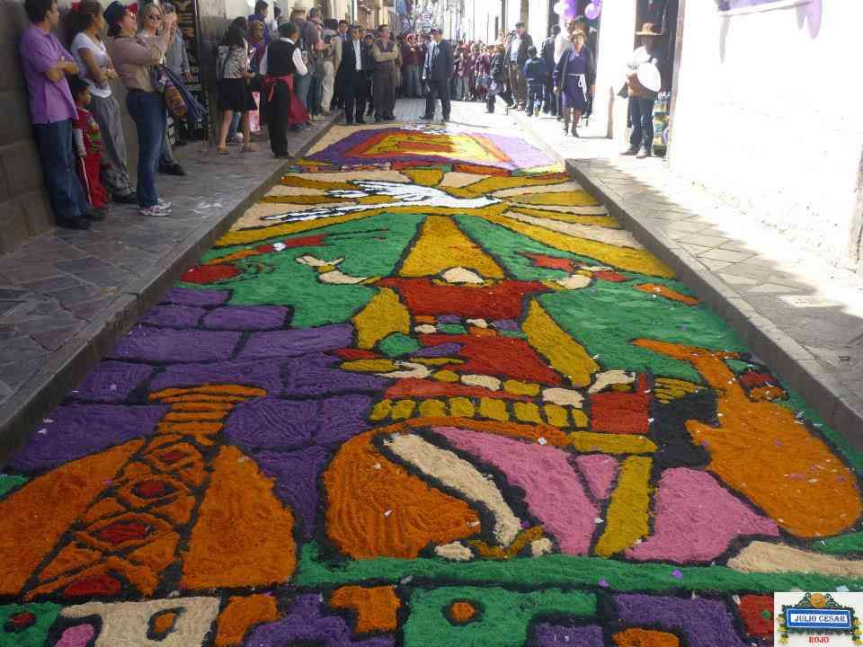 Alfombra floral del Colegio Particular Mixto Señor de los Milagros del Cusco