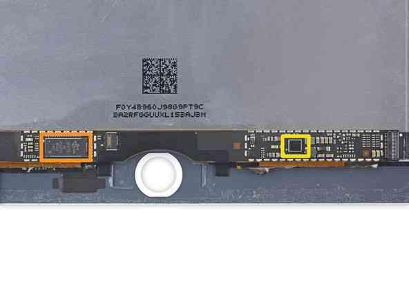Aqui vemos  la pantalla del IPAD AIR 2, sin el TouchID, lo del marco naranja es el controlador de la pantalla