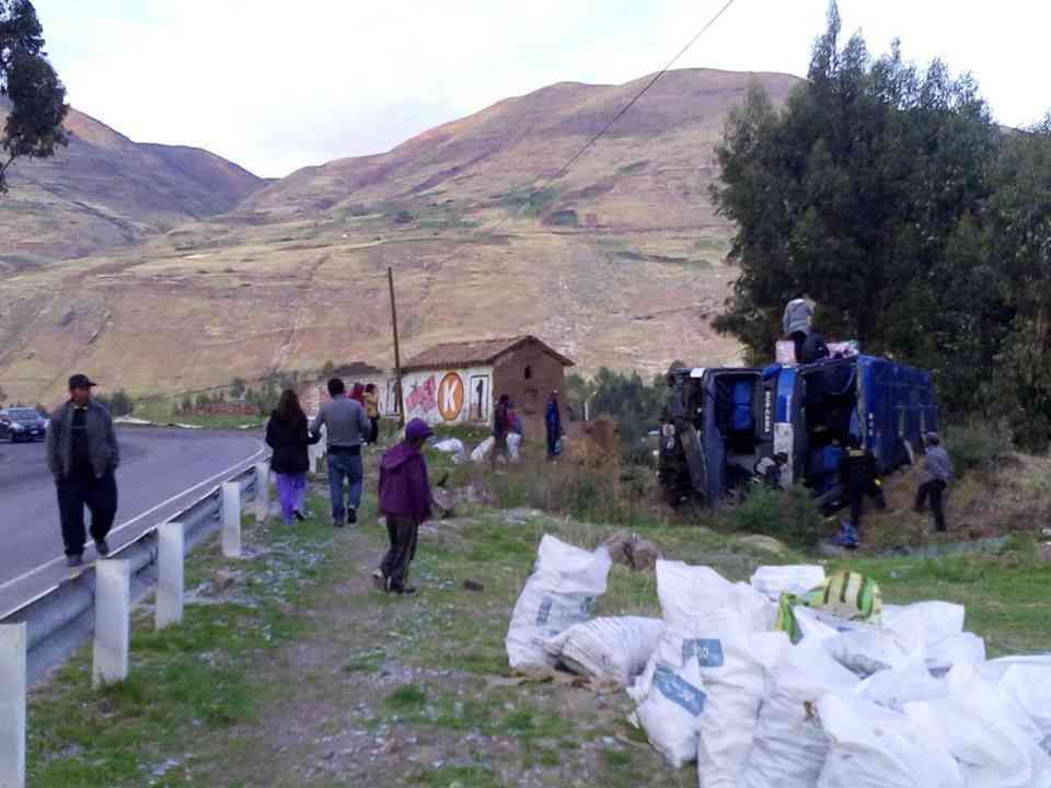 accidente-de-et-san-luis-en-ruta-sicuani-cusco-1