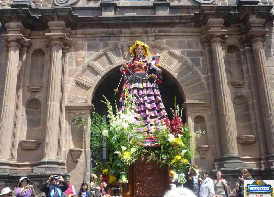 Procesion de la Virgen del Eosario Cusco 3