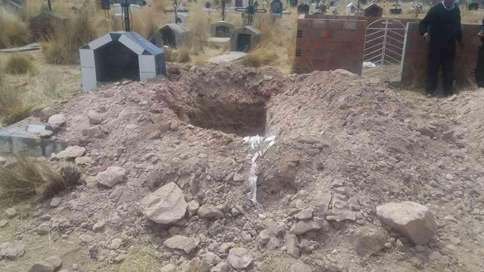 profanan-tumbas-en-espinar-cusco-2